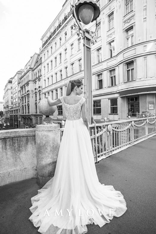 Suknie ślubne Amy Love Bridal 2017 / Lance